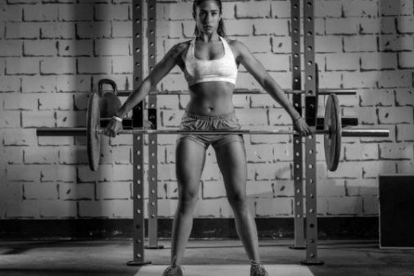 woman-strength-training-620x330