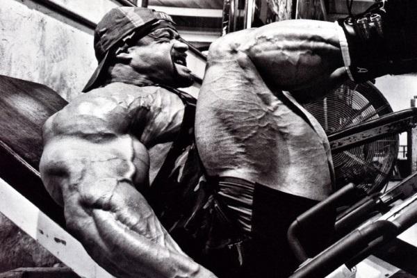 huge-quads-bodybuilder-720x693