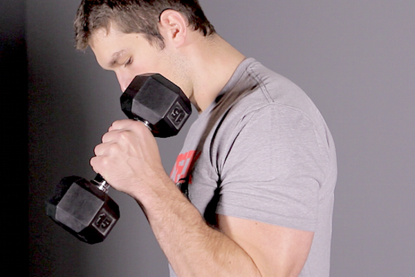 Why-Hammer-Curls-Build-Bigger-Arms-STACK