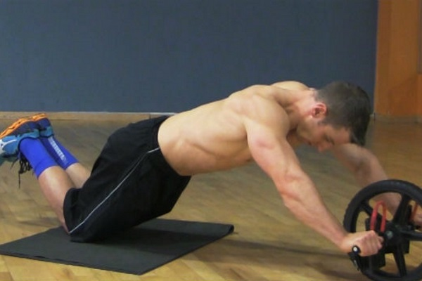 get_that_ab_wheel_rollout_exercise_right_pic
