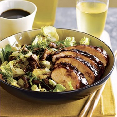 lacquered-chicken-with-roasted-leeks-fennel-and-shiitake-salad-R098305-ss