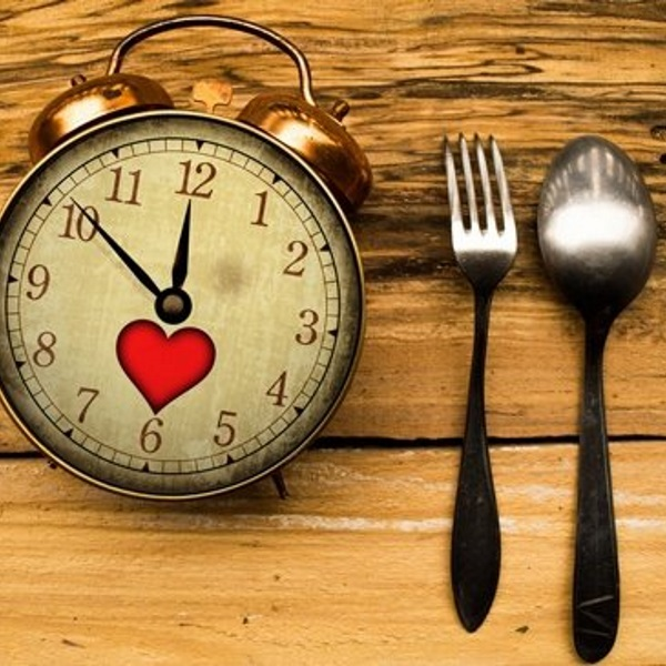 alarm-clock-and-utensils