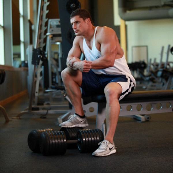 bodybuilder-resting