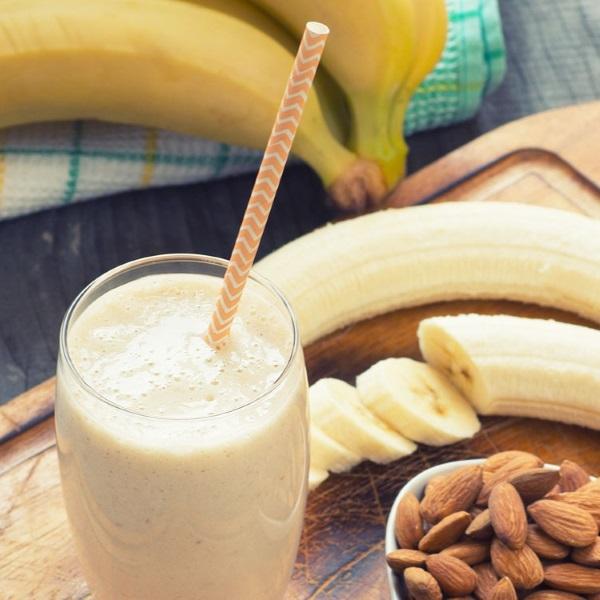 protein-shake-banana-almond
