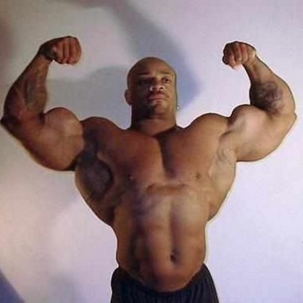 bodybuilder_insane_arms_02