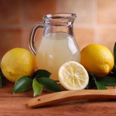 lemon-juice-in-a-glass-carafe
