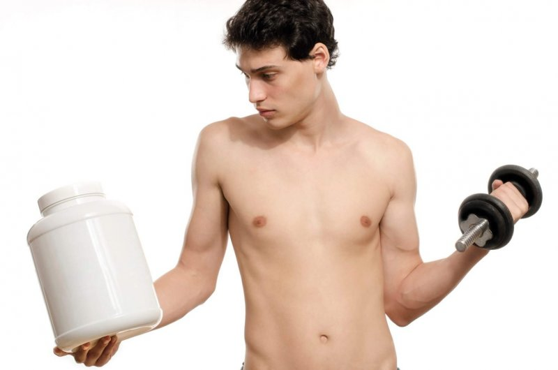 Protein-Powder-for-Skinny-Guys-What-You-Need-to-Know-1484x983.jpg
